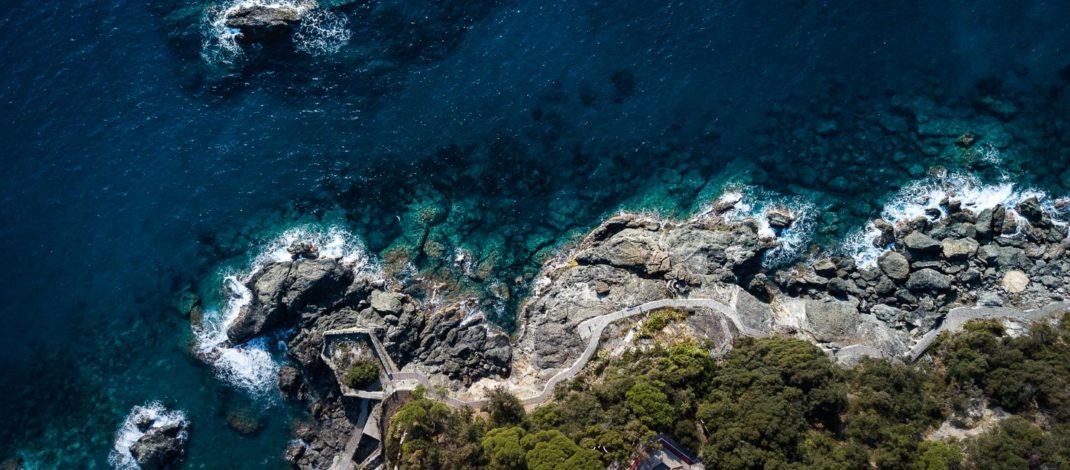 Framura, un'incanto a picco sul mare
