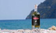 Spaccasassi: il liquore ligure all'erba di San Pietro