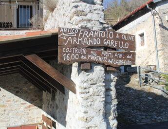 Armando Garello, a 95 anni guida ancora l'Antico Frantoio costruito dai Del Carretto a Nasino